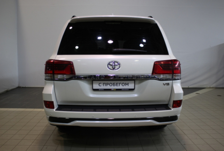 Toyota Land Cruiser 200 2016 года с пробегом 85 897 км, фото 6